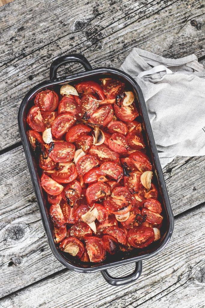 geröstete Tomaten und Knoblauch